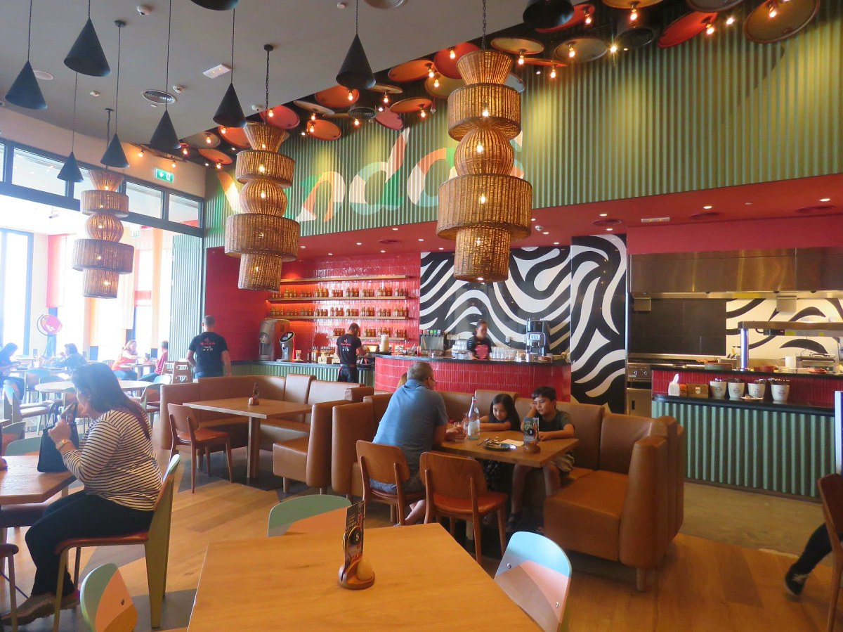 INVITED REVIEW: New Casa for Nando's mama mia!